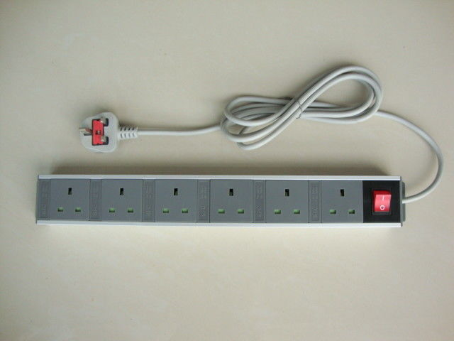 UK 6 Jack Multiple Outlet Power Bar With Flat Plug , Smart Six Socket Power Strip